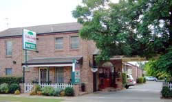 Cedar Lodge Motel - Accommodation QLD