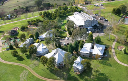 Pinnacle Valley Resort - Accommodation QLD
