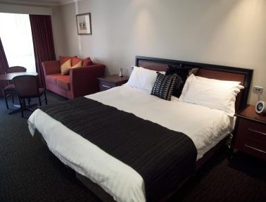 Best Western Plus All Settlers Motor Inn - Accommodation QLD