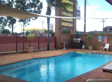 Town And Country Motor Inn Cobar - Accommodation QLD