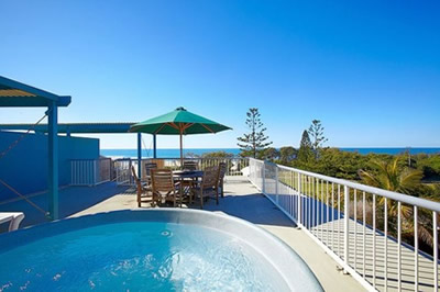 Surf Club Apartments - Accommodation QLD
