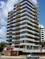Beachfront Towers - Accommodation QLD