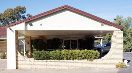 Burke And Wills Moree Motor Inn - Accommodation QLD