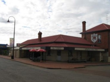 Bedford Arms Hotel - Accommodation QLD