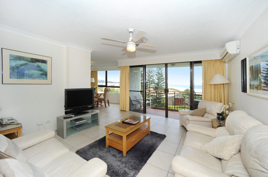 Princess Palm On The Beach - Accommodation QLD
