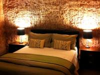 Lookout Cave Motel - Accommodation QLD