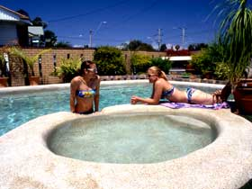 Mackay Motor Inn - Accommodation QLD
