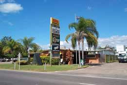 Queens Beach Motor Hotel - Accommodation QLD