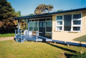 Eskavy Beach House - Accommodation QLD