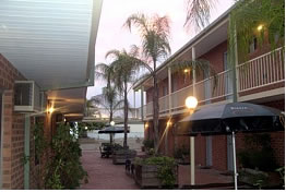 Yarrawonga Central Motor Inn - Accommodation QLD