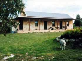 Mt Dutton Bay Woolshed Heritage Cottage - Accommodation QLD