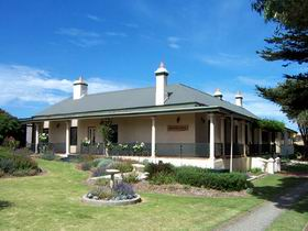 Seaview Lodge K.I. - Accommodation QLD