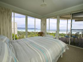 Malibu Lodge - Accommodation QLD