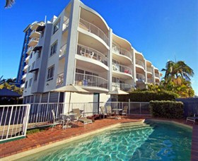 The Beach Houses - Cotton Tree - Accommodation QLD