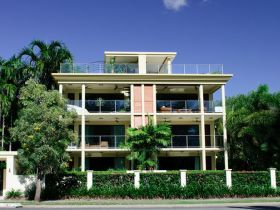 Cairns Beachfront Apartment - Accommodation QLD