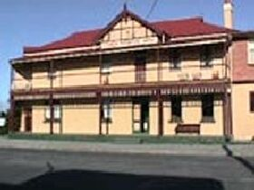 Interstate Hotel - Accommodation QLD
