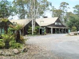 Derwent Bridge Wilderness Hotel - Accommodation QLD