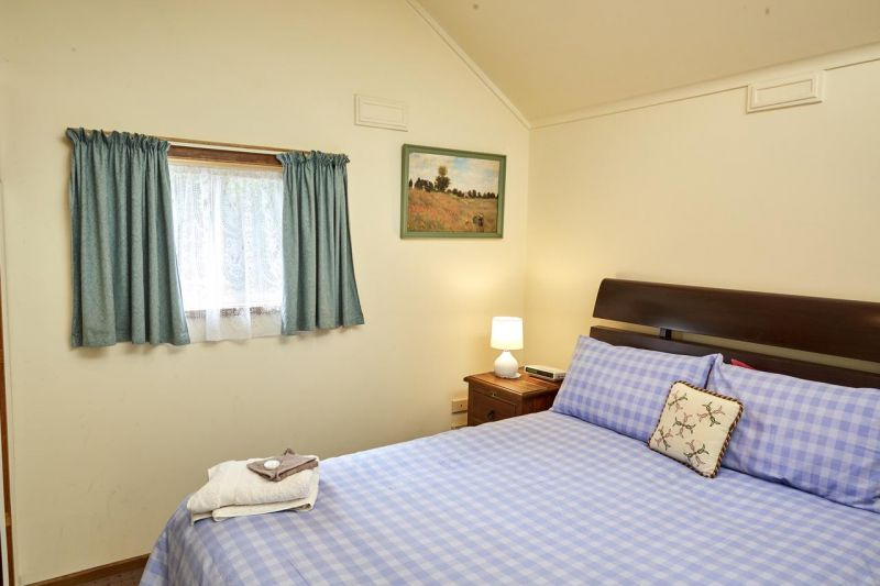 Bristol House Accommodation - Accommodation QLD