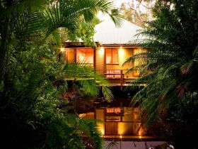Hunchy Hideaway - Accommodation QLD