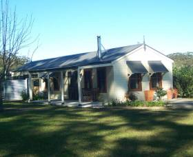 Hillcrest Cottage - Accommodation QLD