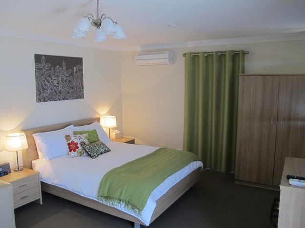 West Wing Guest House - Accommodation QLD