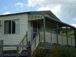 Halls Country Cottages - Accommodation QLD