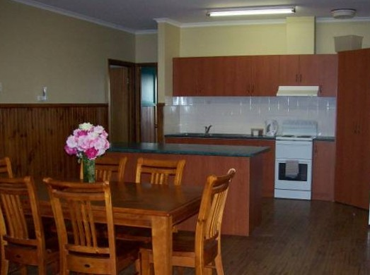 Riverland Holiday Cottage - Accommodation QLD