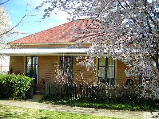 Cooma Cottage - Accommodation - Accommodation QLD