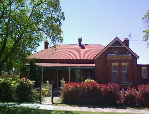 Tumut Accommodation Sefton House - Accommodation QLD