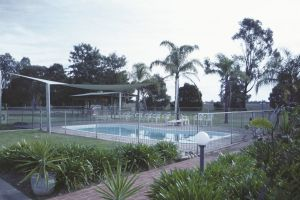 Aaroona Holiday Resort - Accommodation QLD