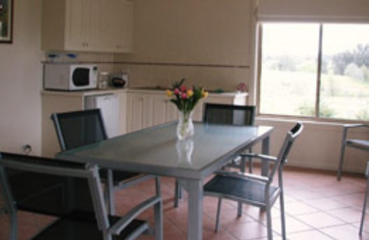 Burns B and B and Yabby Farm - Accommodation QLD