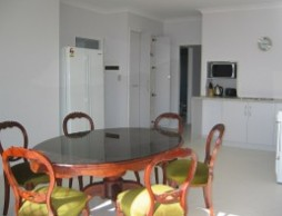 Olas Holiday House - Accommodation QLD