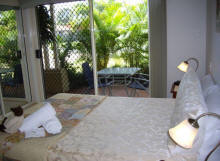Alexander Lakeside Bed and Breakfast - Accommodation QLD