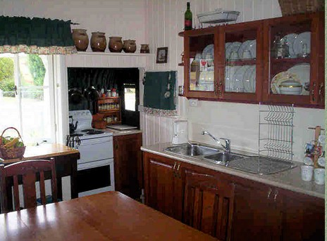 Dillons Cottage - Accommodation QLD