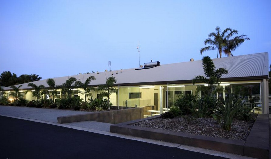 Ashmore Palms Holiday Village - Accommodation QLD