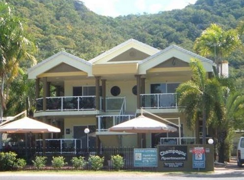 Champagne Apartments - Accommodation QLD
