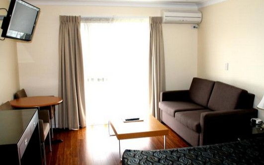 Centenary Motor Inn - Accommodation QLD
