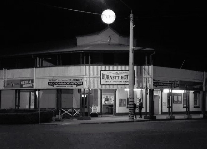 Burnett Hotel - Accommodation QLD
