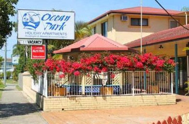 Ocean Park Motel and Holiday Apartments - Accommodation QLD
