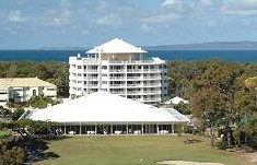 Fairways Golf And Beach Retreat - Accommodation QLD