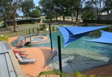 Valley Vineyard Tourist Park - Accommodation QLD