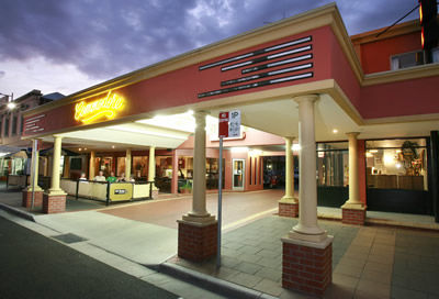 The Commodore Motor Inn - Accommodation QLD
