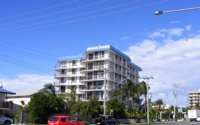 Beach Palms Holiday Apartments - Accommodation QLD