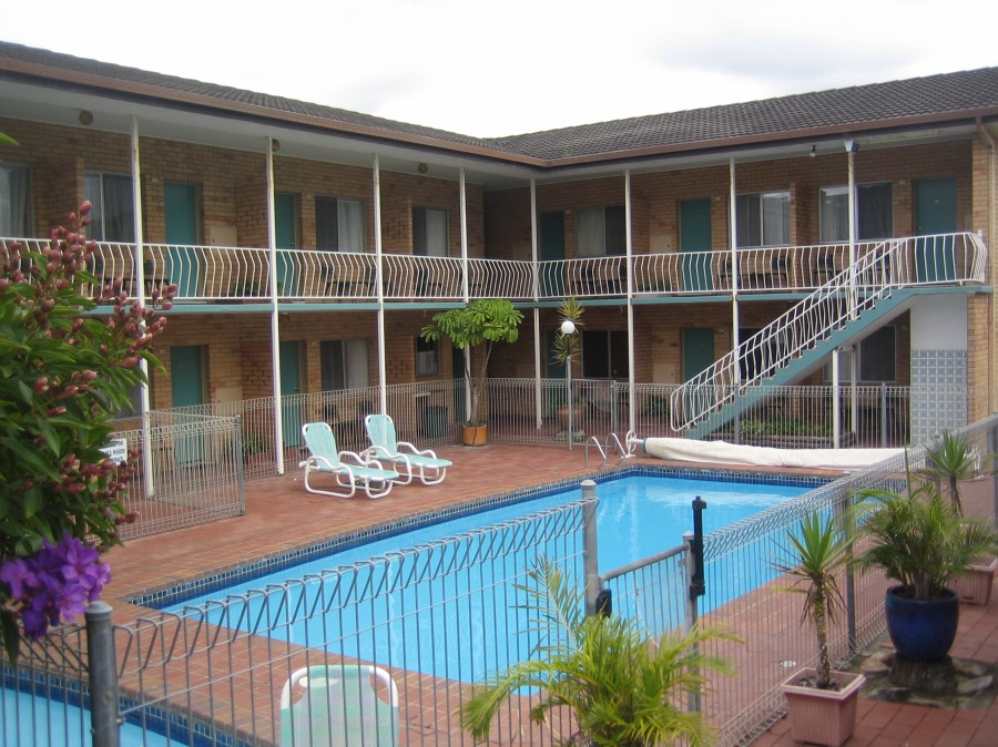 The Coasters Motel - Accommodation QLD