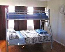 Surf N Sun Beachside Backpackers - Accommodation QLD