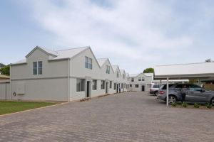 Hello Adelaide Motel  Apartments - Accommodation QLD