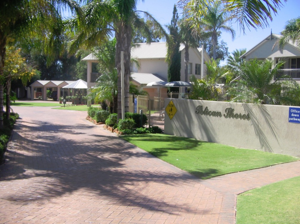 Pelican Shore Villas - Accommodation QLD