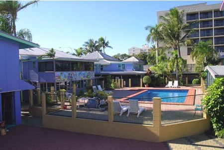 Caravella Backpackers Hostel - Accommodation QLD