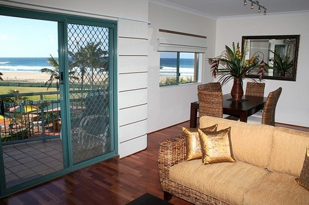 Currumbin Sands on the Beach - Accommodation QLD