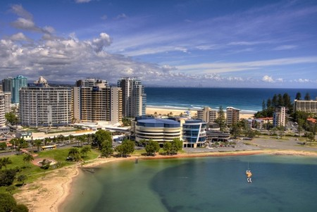 Outrigger Twin Towns Resort - Accommodation QLD